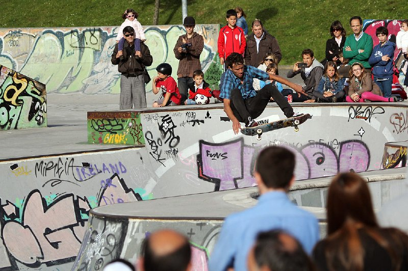 Levis bowl contest by styling